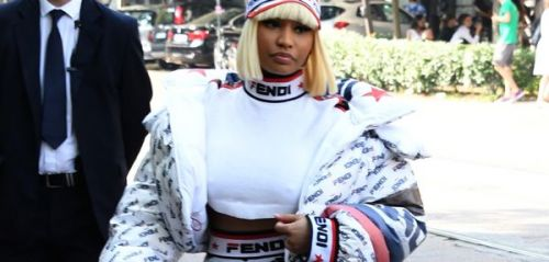 PHOTOS. Le look étrange de Nicki Minaj au défilé Fendi