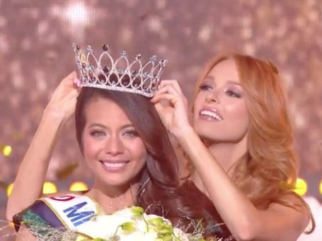 "Quand Miss France 2019 s'exclame ""Sapristi !"" : sur Twitter, les internautes attendris par la réaction de Vaimalama Chaves"