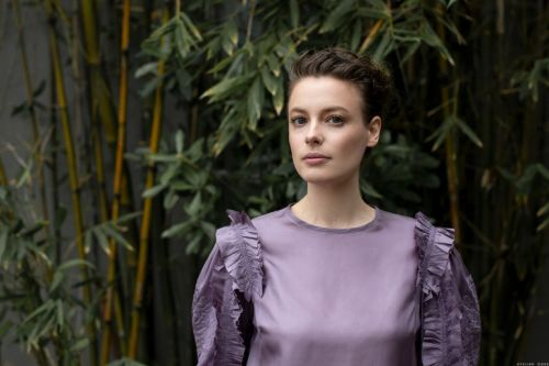 A Beauty Minute with Gillian Jacobs