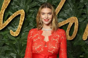 British Fashion Awards:  un tapis rouge placé sous le signe de la couleur unie