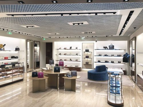 SALVATORE FERRAGAMO DÉVOILE SON NOUVEAU MAGASIN À L'AÉROPORT INTERNATIONAL DE BEIJING DAXING