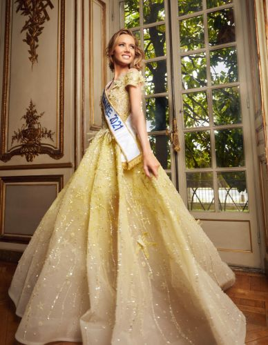 Ziad Nakad, le couturier habille Miss France 2021